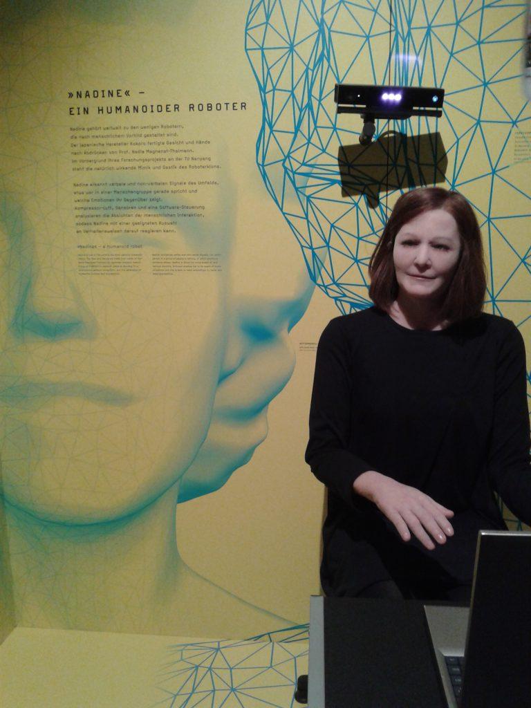Das Foto zeigt den Roboter Nadine.