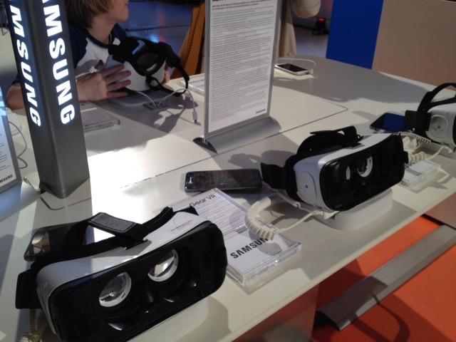 Das Foto zeigt eine virtuelle Brille.