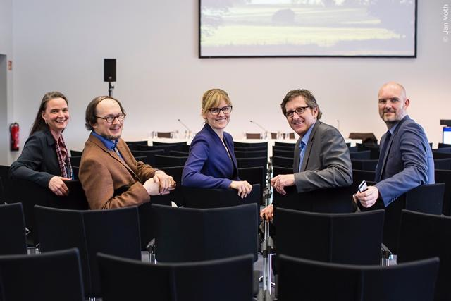 Das Foto zeigt die Referenten vom Panel SmartCountry