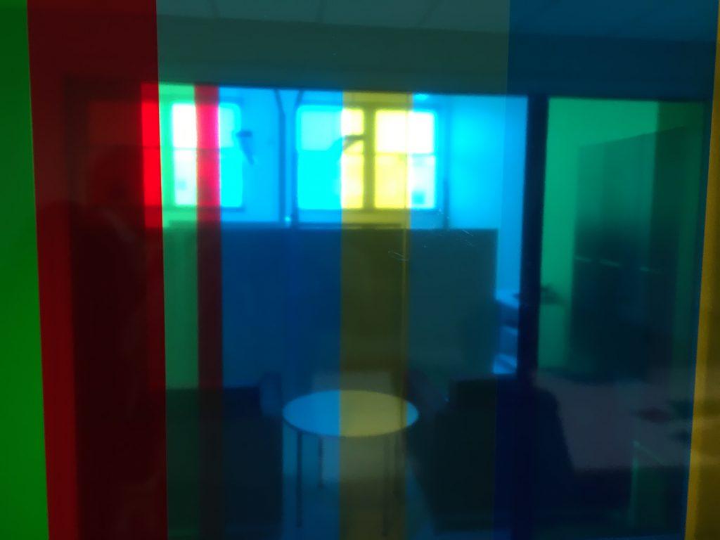 Das Foto zeigt einen Besprechungsraum in einem Krankenhaus in Tallinn.
