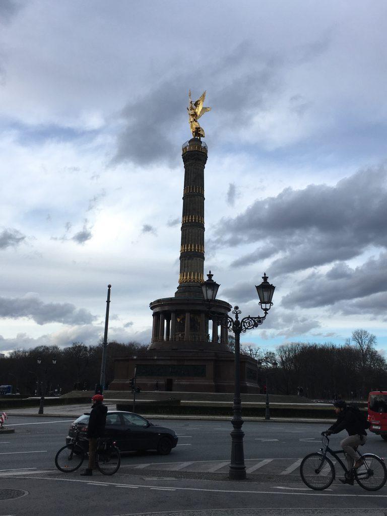 Das Foto zeigt die Siegessäule in Berlin.