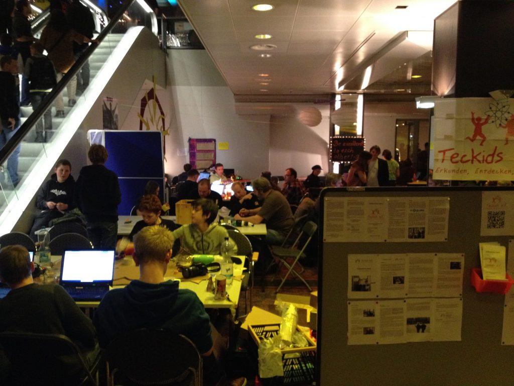 Das Foto zeigt Techkids beim CCC in HH.