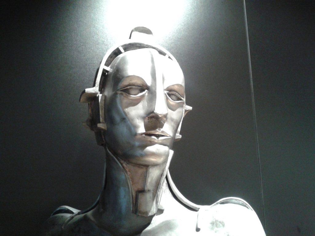 Das Foto zeigt die Figur aus Metropolis.