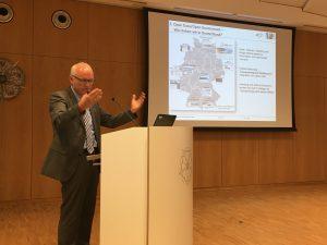 Das Foto zeigt Dr. Stefan Ostrau.
